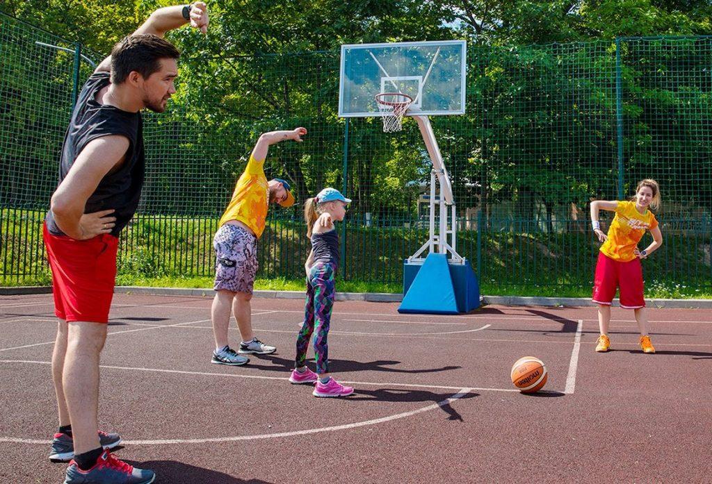 Спорт на свежем воздухе: москвичам рассказали о бесплатных тренировках в парках. Фото: сайт мэра Москвы