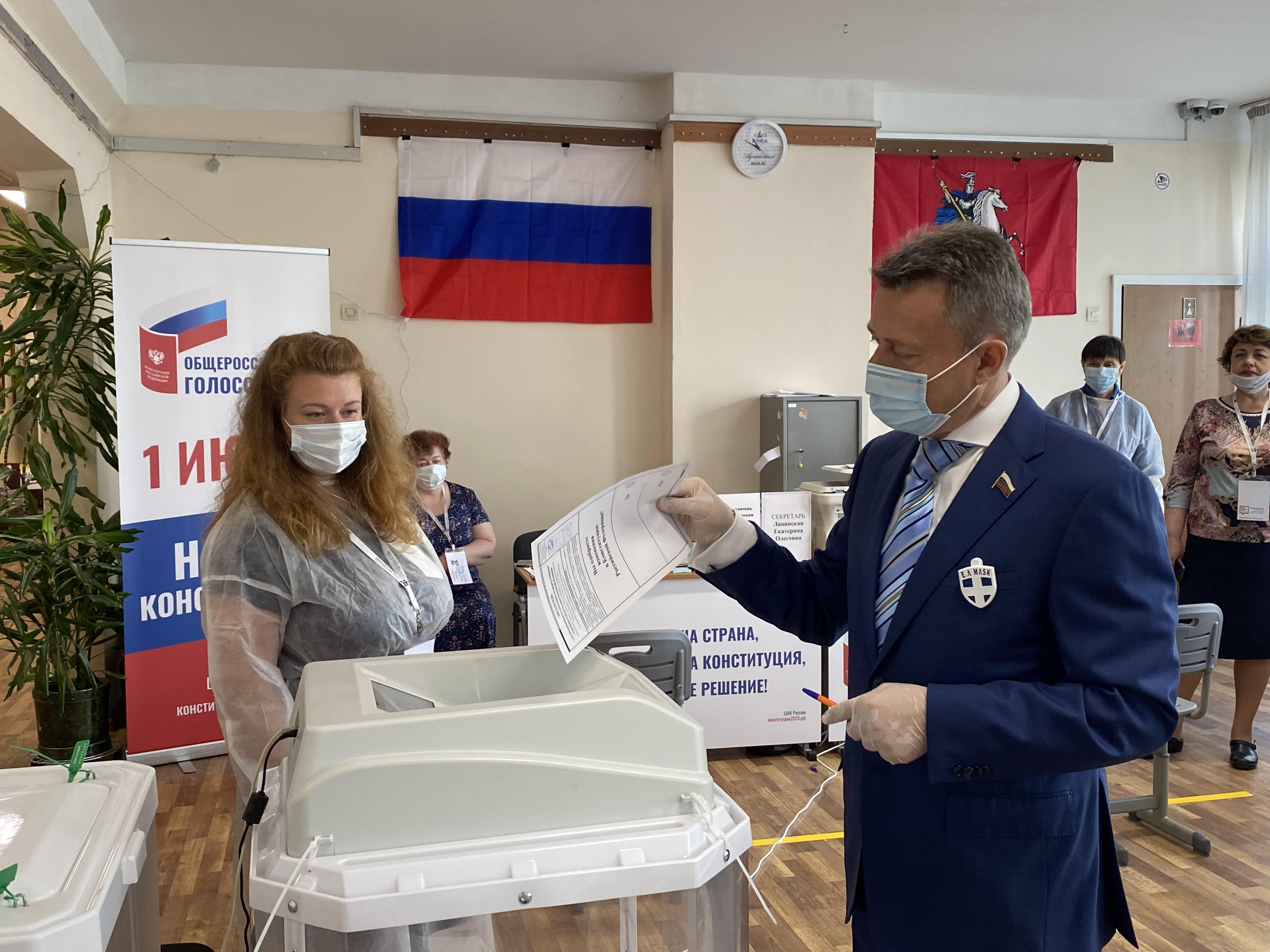Анатолий ВЫБОРНЫЙ: «Я голосую за поправки – никакие международные решения не должны оказаться выше наших российских законов»