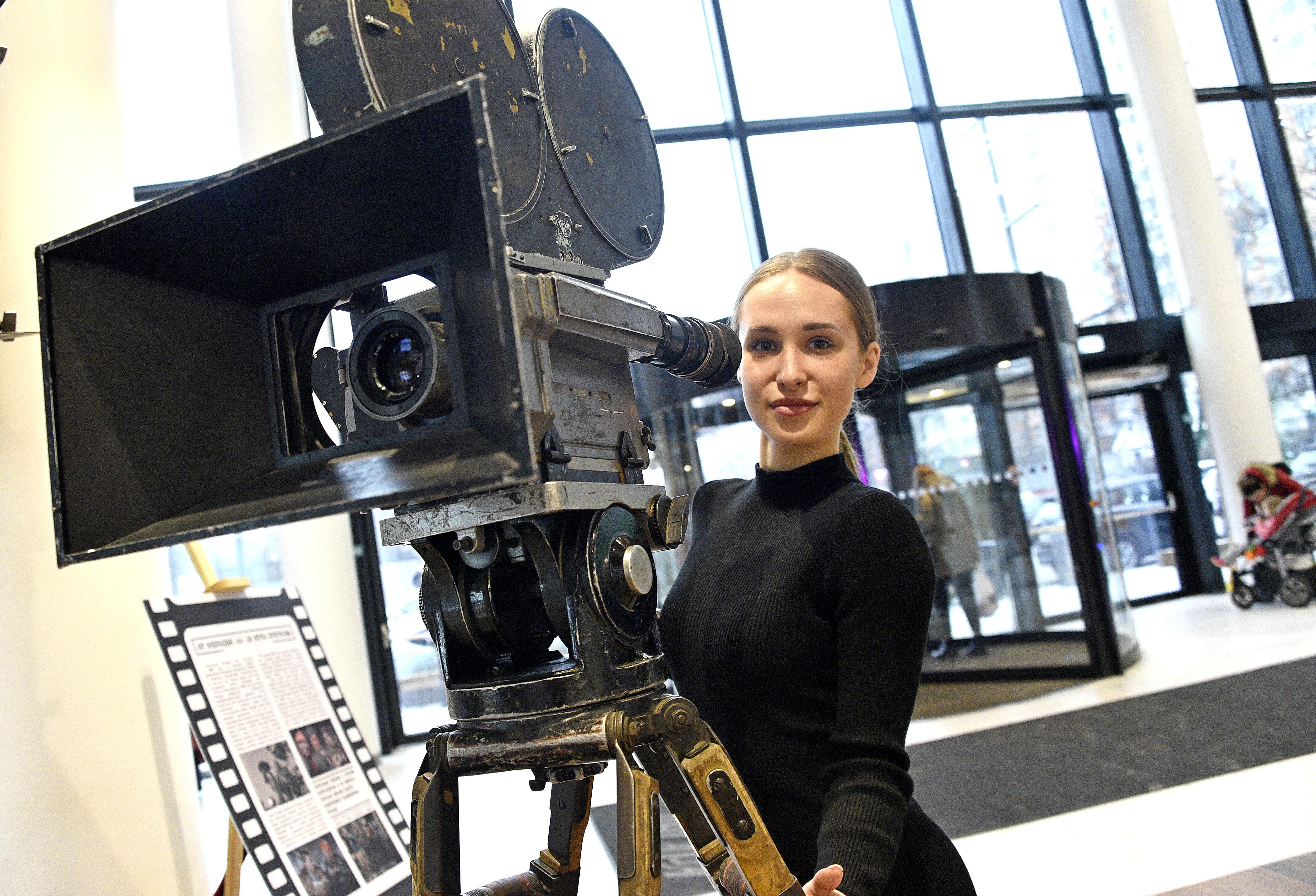 Москвичей пригласили на бесплатное кино с Екатериной Васильевой