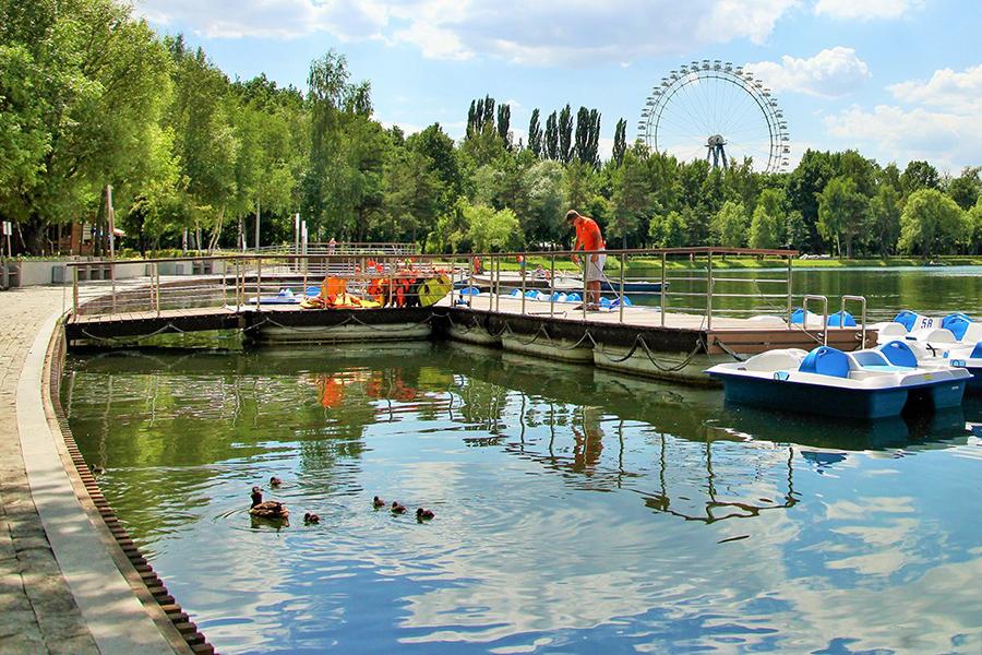 Виртуальные экскурсии по двум паркам Москвы подготовили для горожан