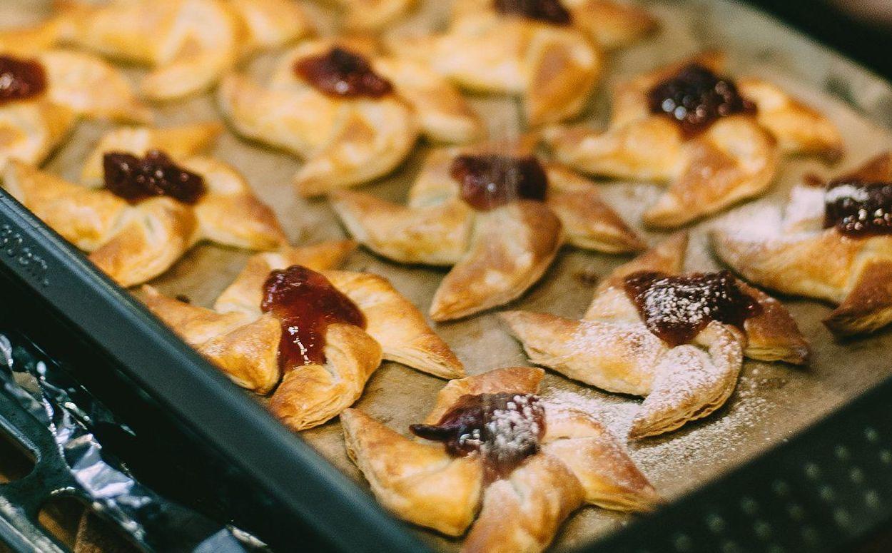Кулинаров юга научили готовить «цветочное» печенье
