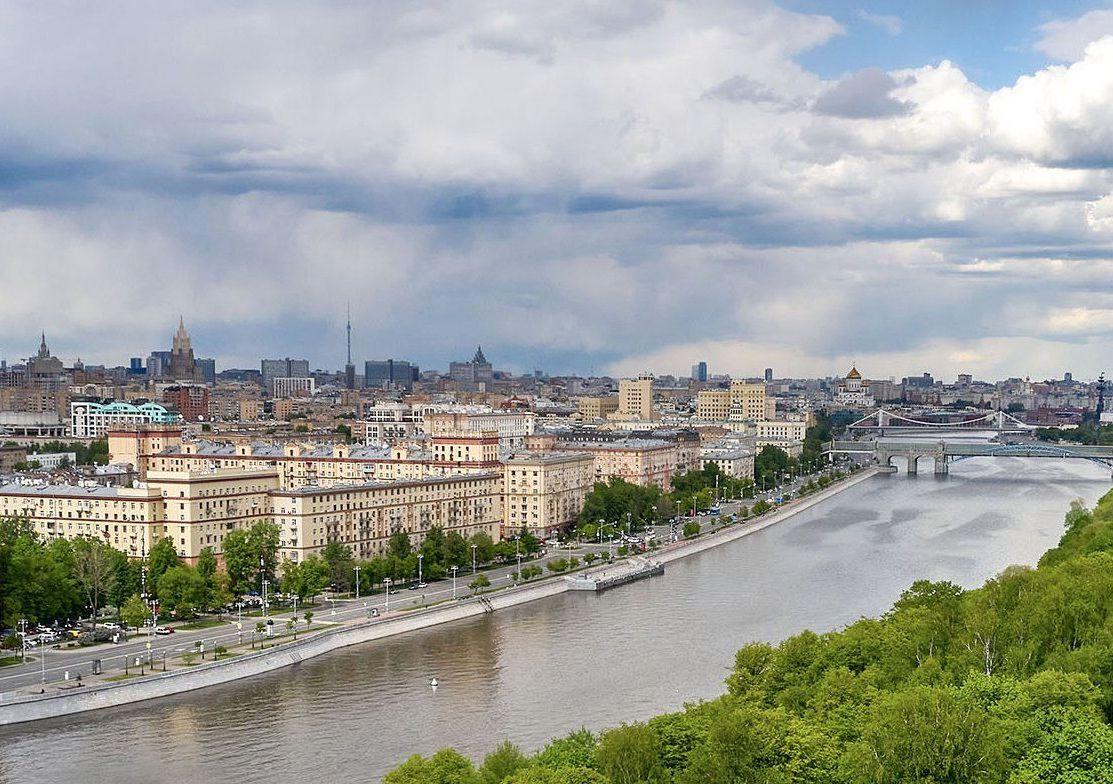 Переменная облачность и дождь ожидаются в столице в воскресенье