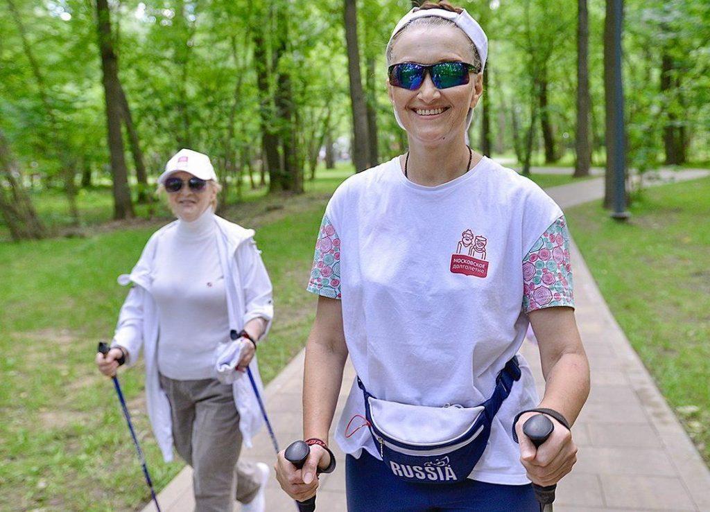 Представителей старшего поколения пригласили на спортивные занятия в «Садовниках». Фото: сайт мэра Москвы