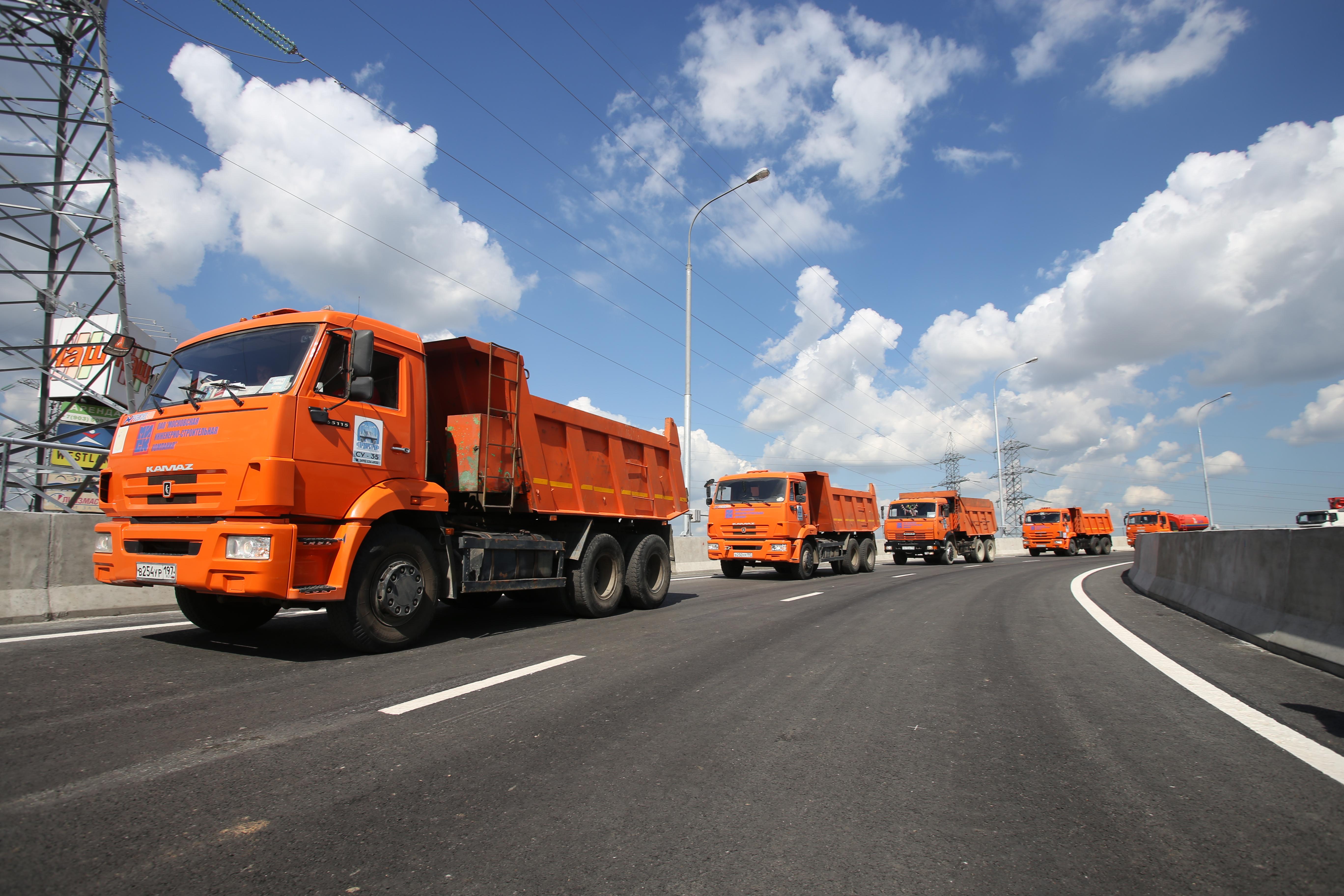 Свыше 40 километров дорог построят в Москве до конца года