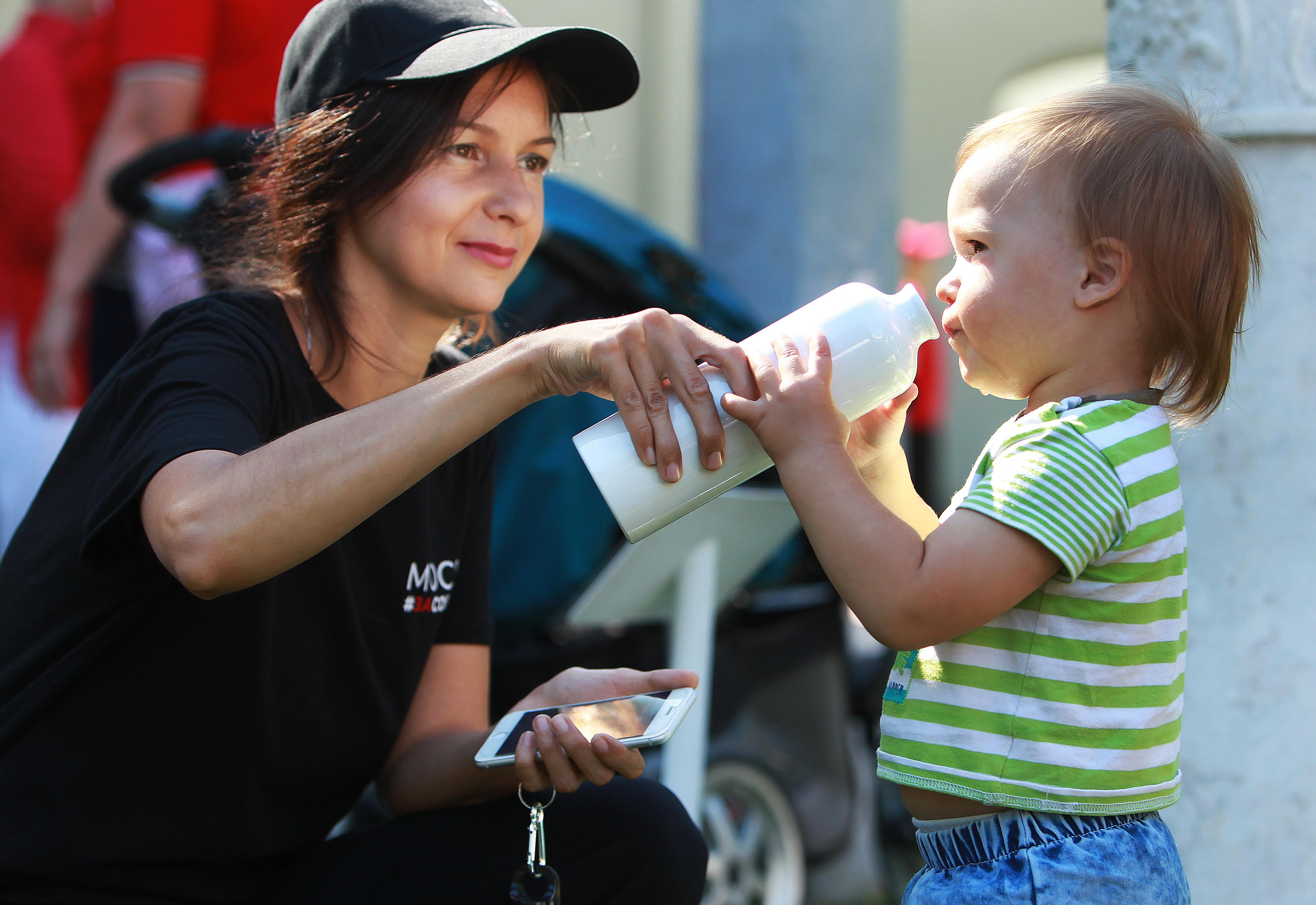 Свыше 300 тысяч человек ежемесячно получают питание на молочных кухнях Москвы