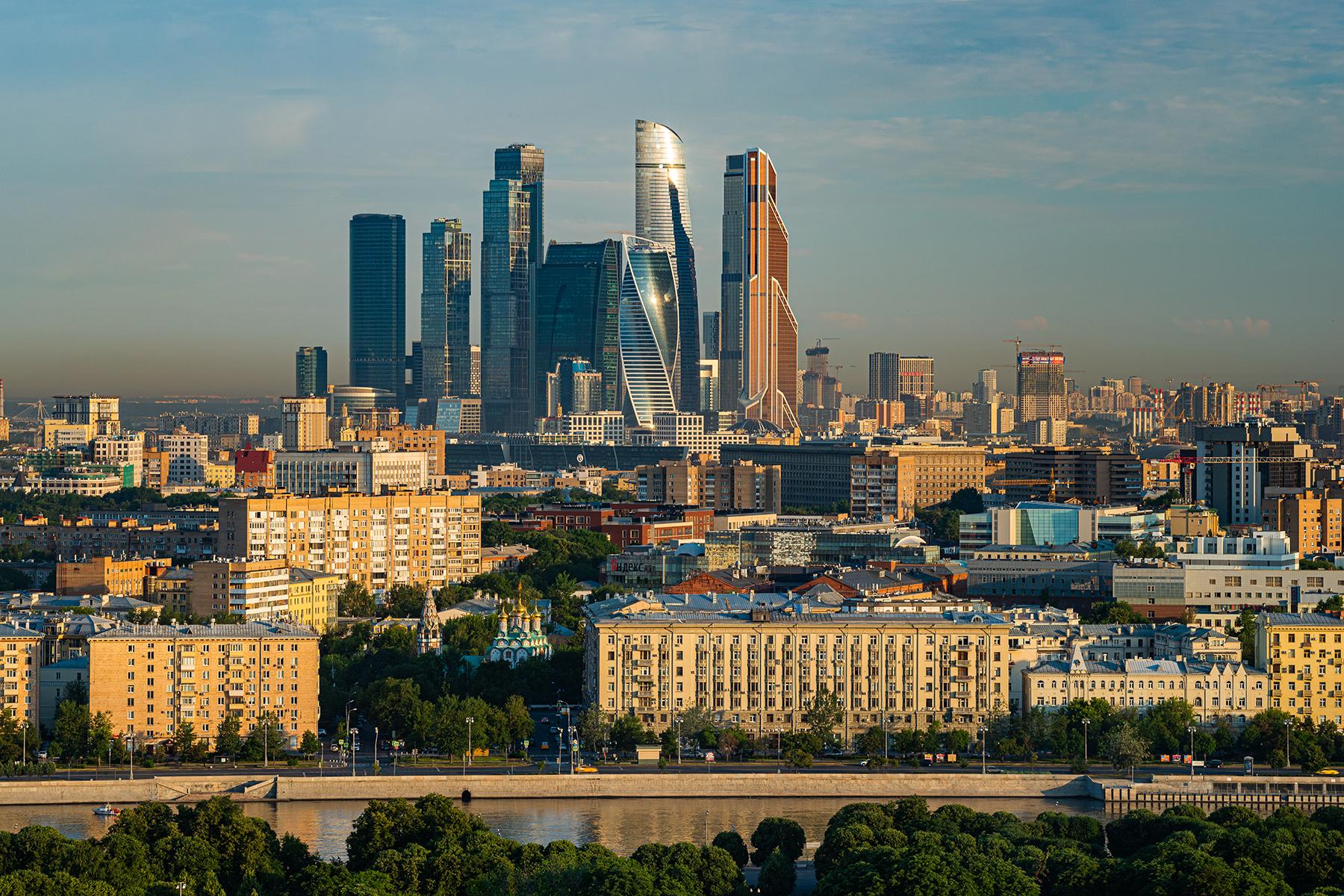 Сайт мэра Москвы обновил 12 госуслуг в земельно-имущественной сфере