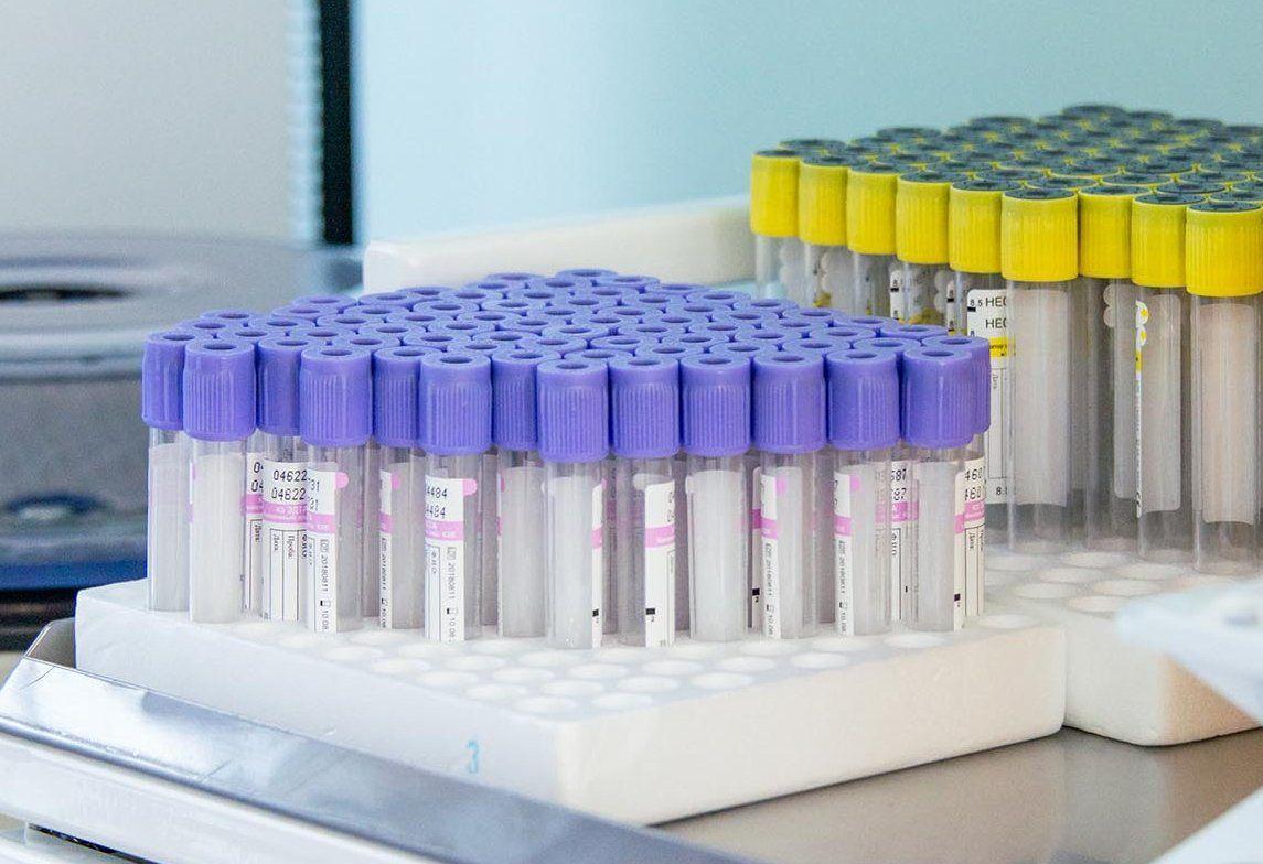 Главный врач Павловской больницы сдал плазму крови для лечения горожан с коронавирусом