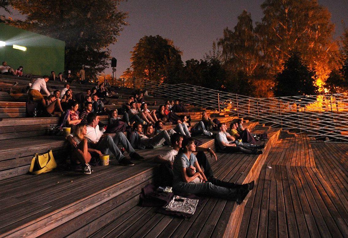 Кино для соседей: во дворе Даниловского района покажут фильмы