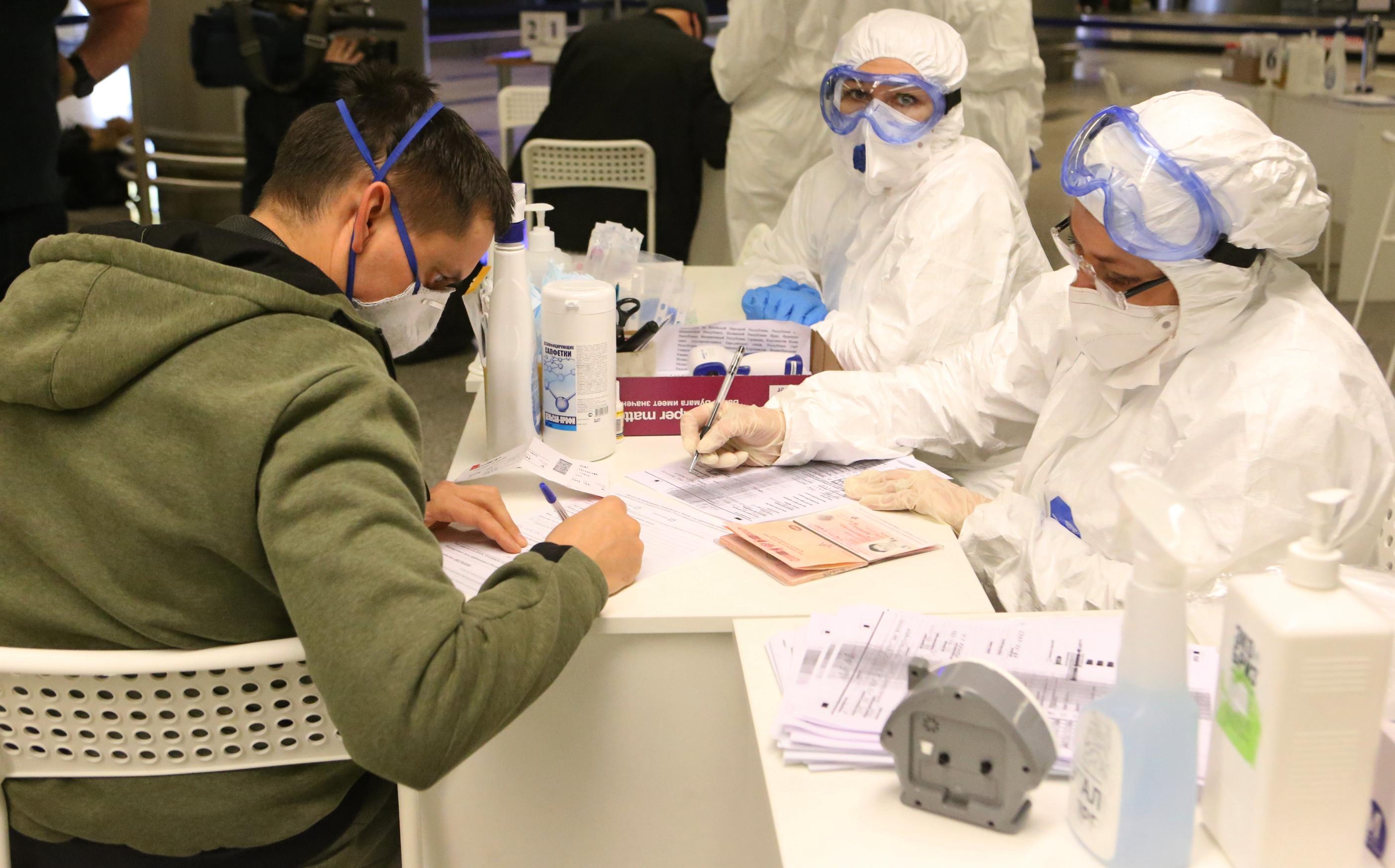 Еще 698 носителей коронавируса нашли в Москве