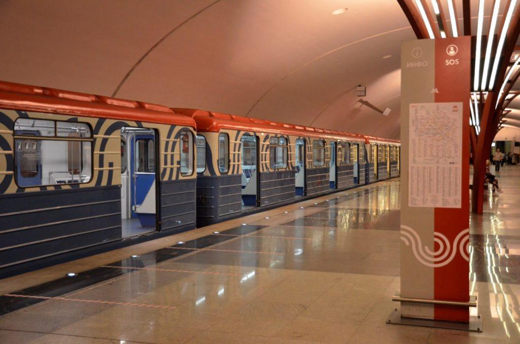 Вход на станцию метро «Нагатинский Затон» украсят «рыбьей чешуей». Фото: Анна Быкова