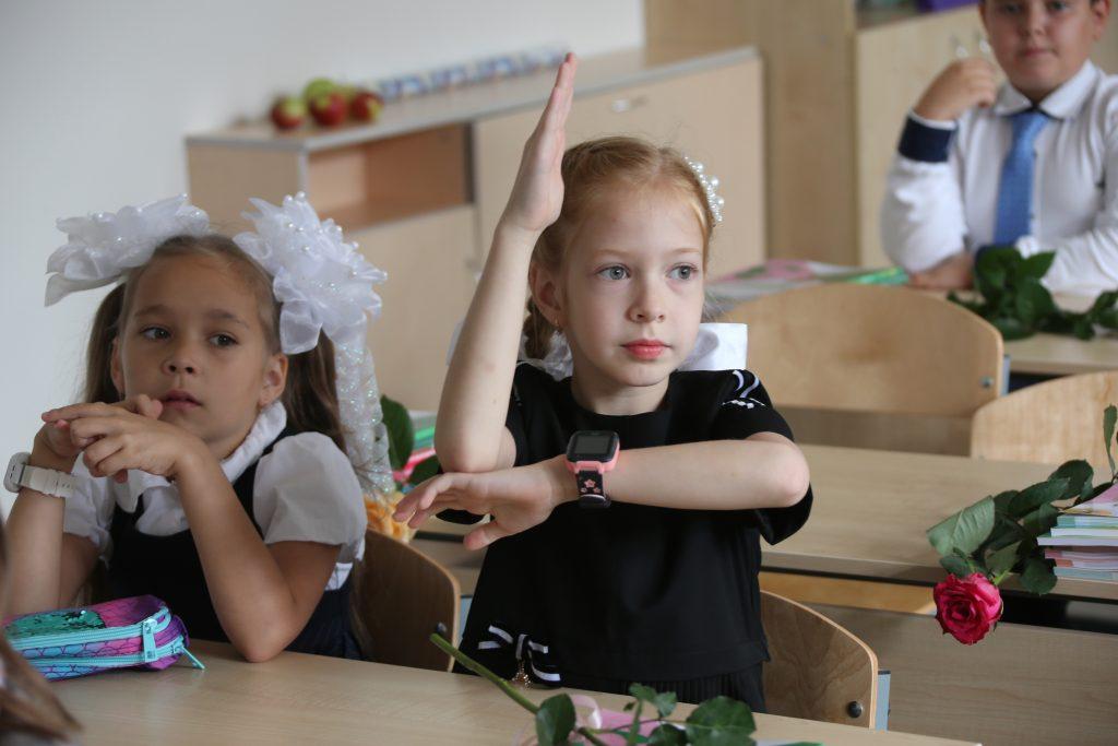 В столичном отделении «ЕР» рассказали об итогах благотворительной акции «Собери ребенка в школу». Фото: Владимир Смоляков, «Вечерняя Москва»