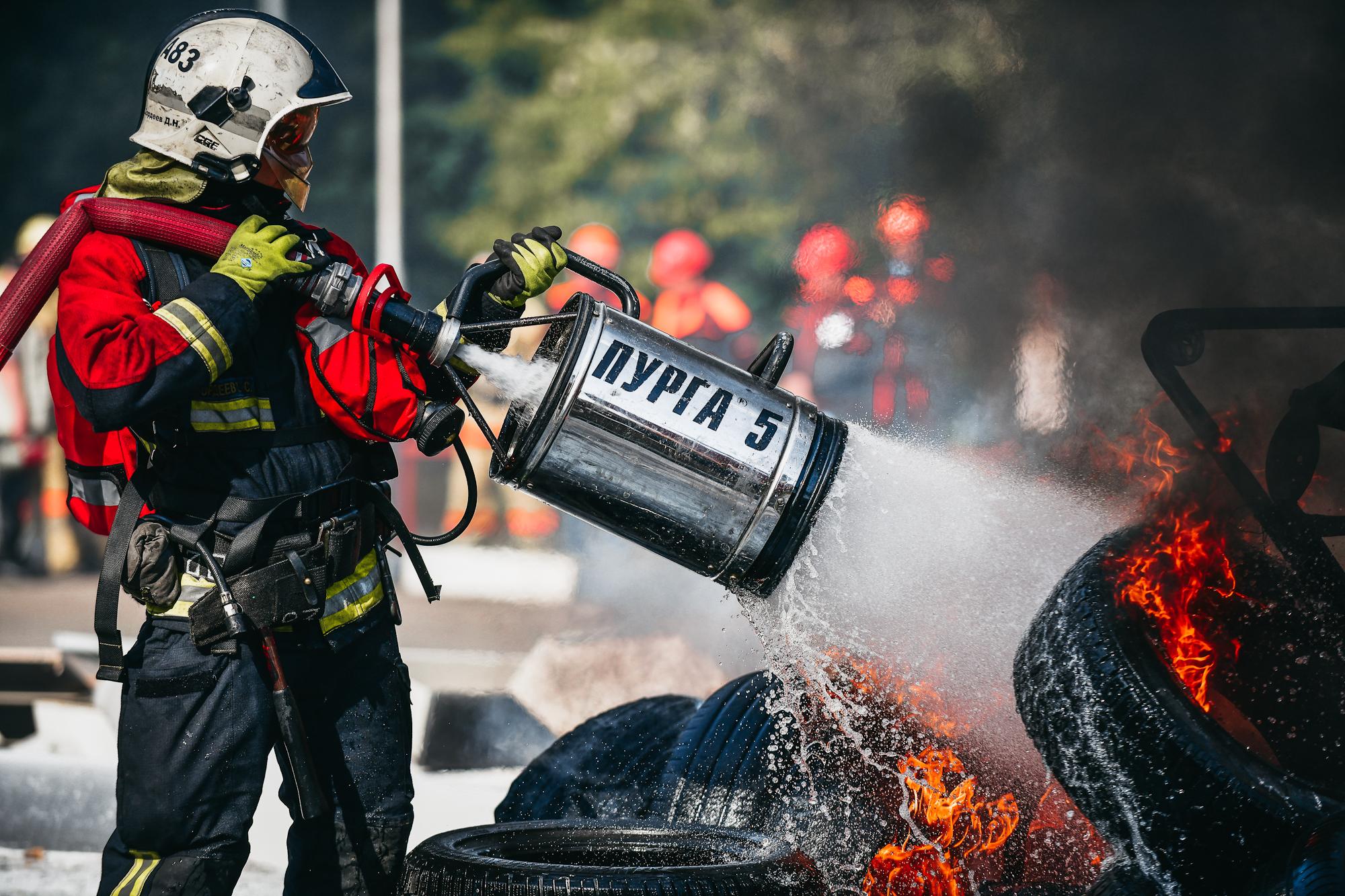 Пожарные продолжают тренироваться!