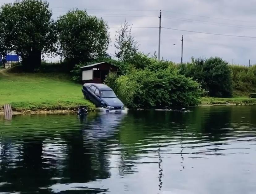 Алгоритм действий если машина съехала в воду