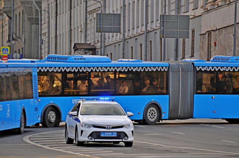 Сотрудники ГИБДД Южного округа столицы провели встречу с будущими водителями автобусов