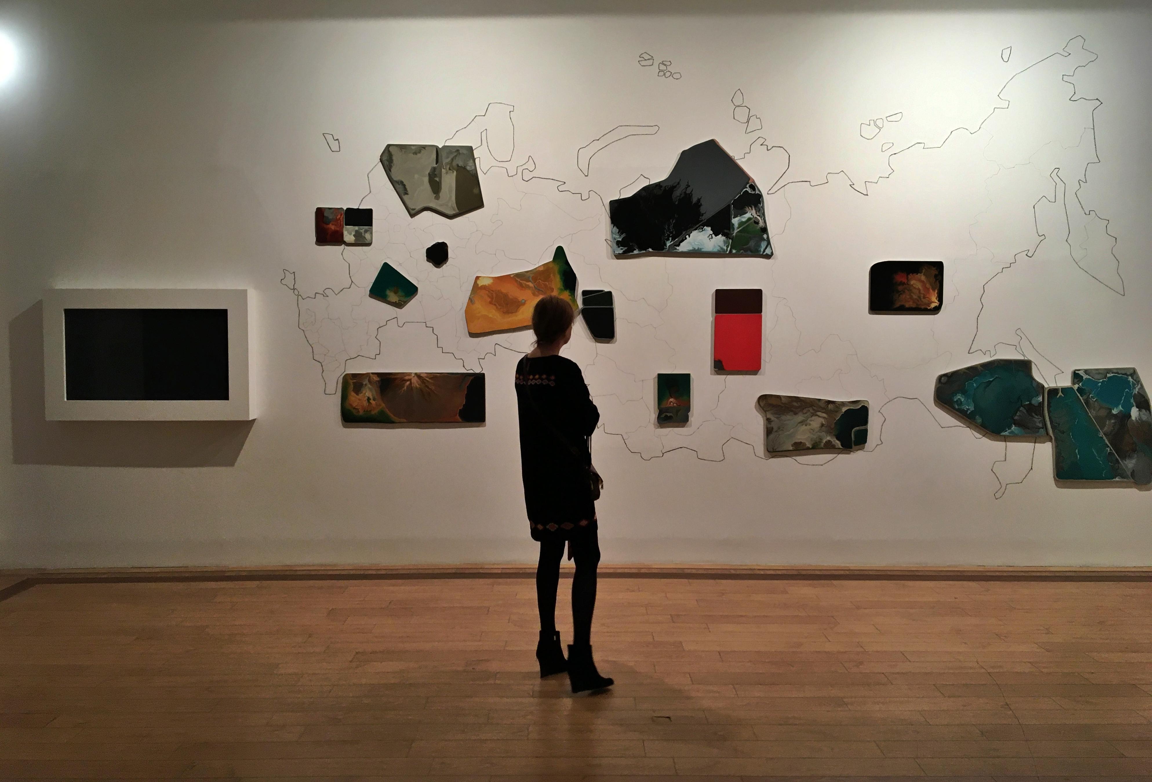 Выставку «Винзавода» пополнили работами преподавателя техникума имени Красина