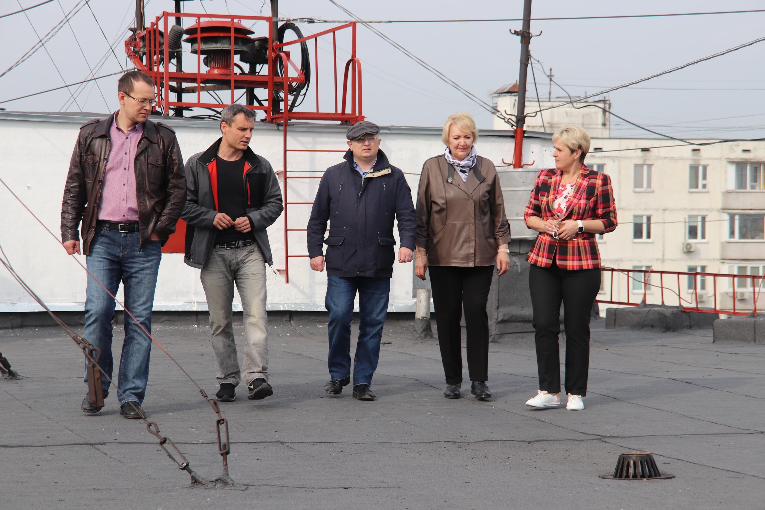Результат ремонта кровли одного из домов проверили в Орехове-Борисове Южном