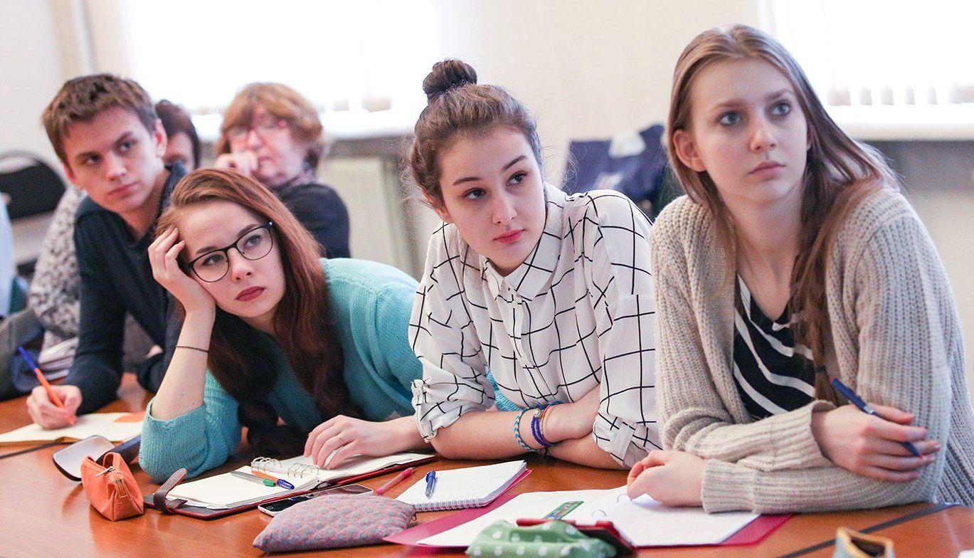 Министр просвещения РФ пообещал не допустить фальсификации исторических событий