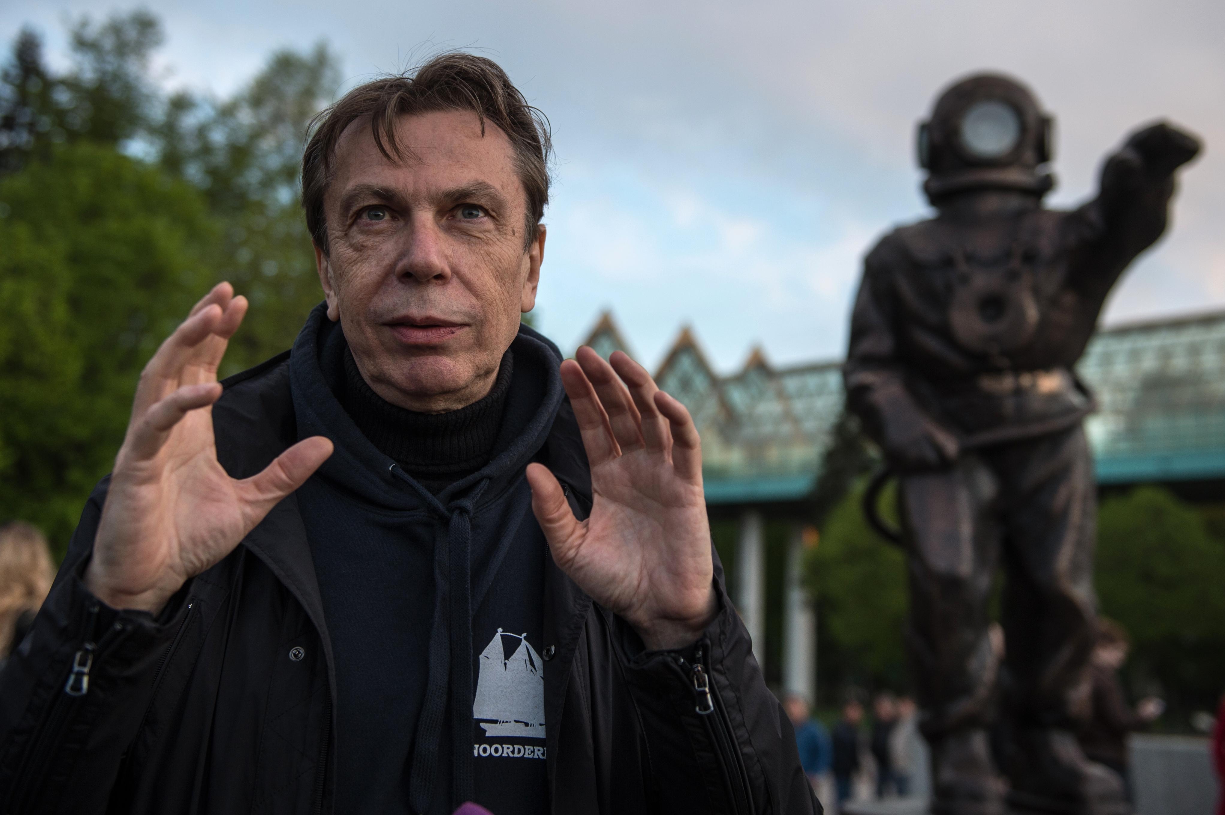 Леонид Тишков: Поймал луну на чертановской крыше