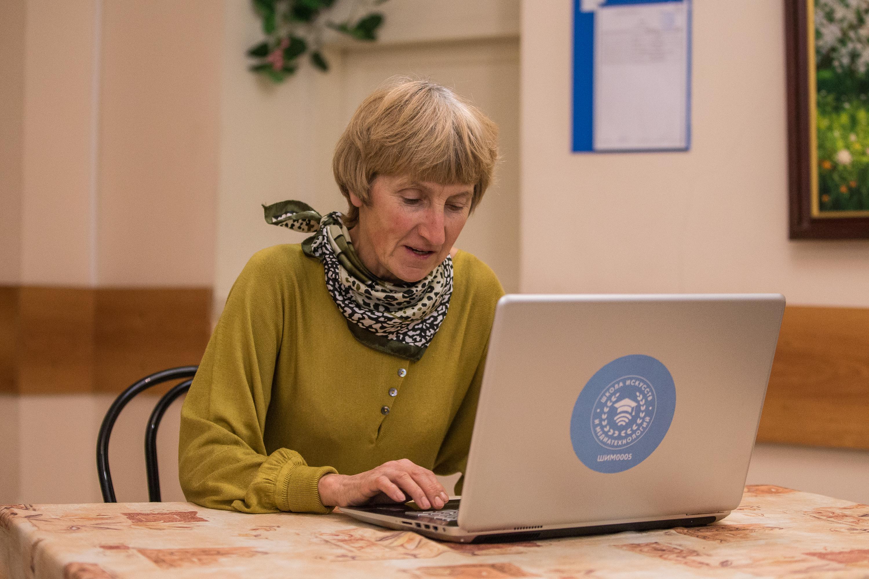 Преподаватели «Московского долголетия» провели почти 60 тысяч онлайн-занятий