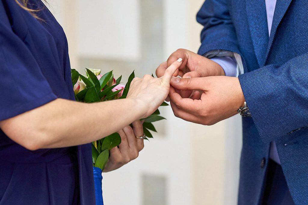 Около 850 браков зарегистрировали в Москве 10 октября. Фото: сайт мэра Москвы