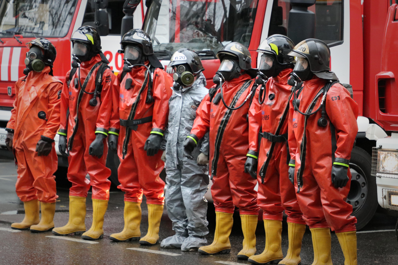 Пожарные 20 пожарно-спасательной части провели тренировку по ликвидации ЧС с разливом АХОВ