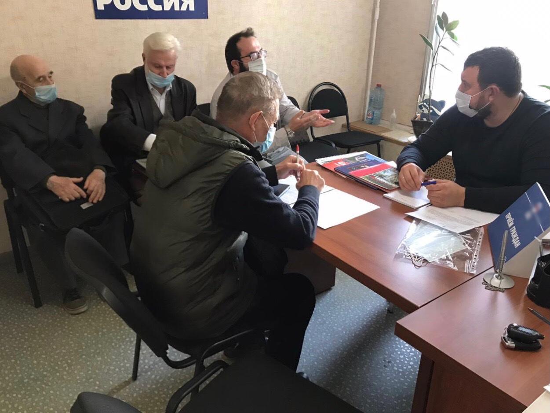 Проблемы жителей Царицына выслушал глава района