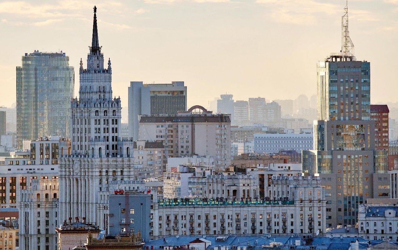 Более 80 человек оштрафовали за отсутствие масок в трех ТЦ на западе Москвы