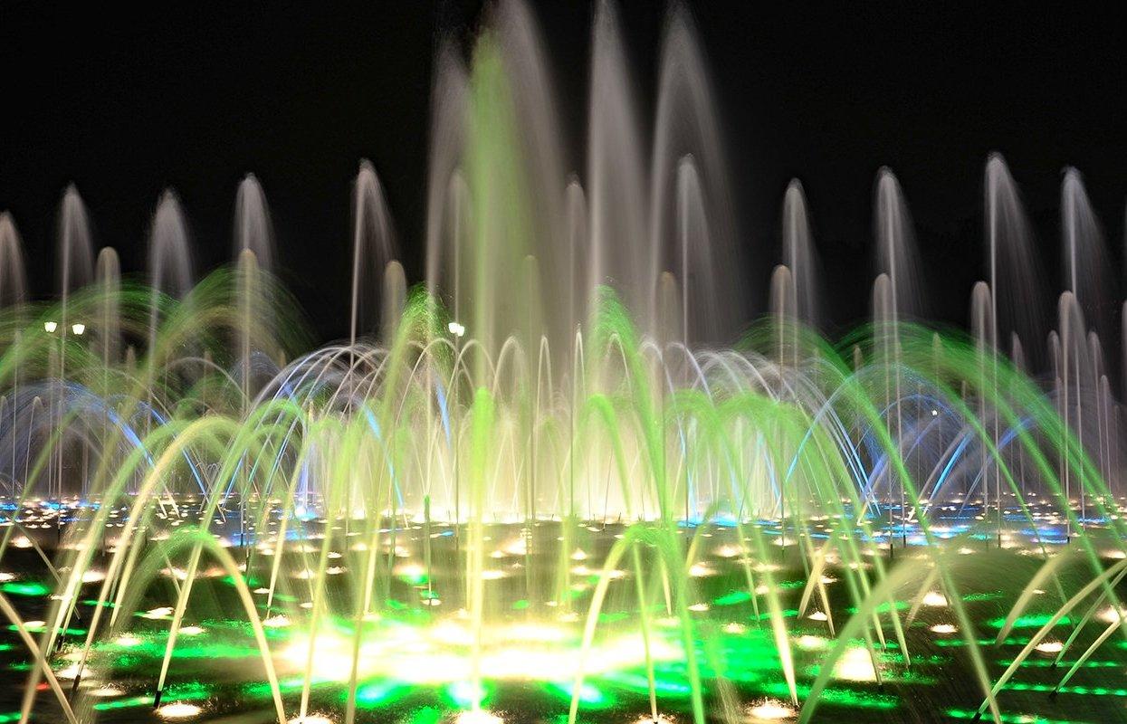 Работу фонтанов в «Царицыне» продлят