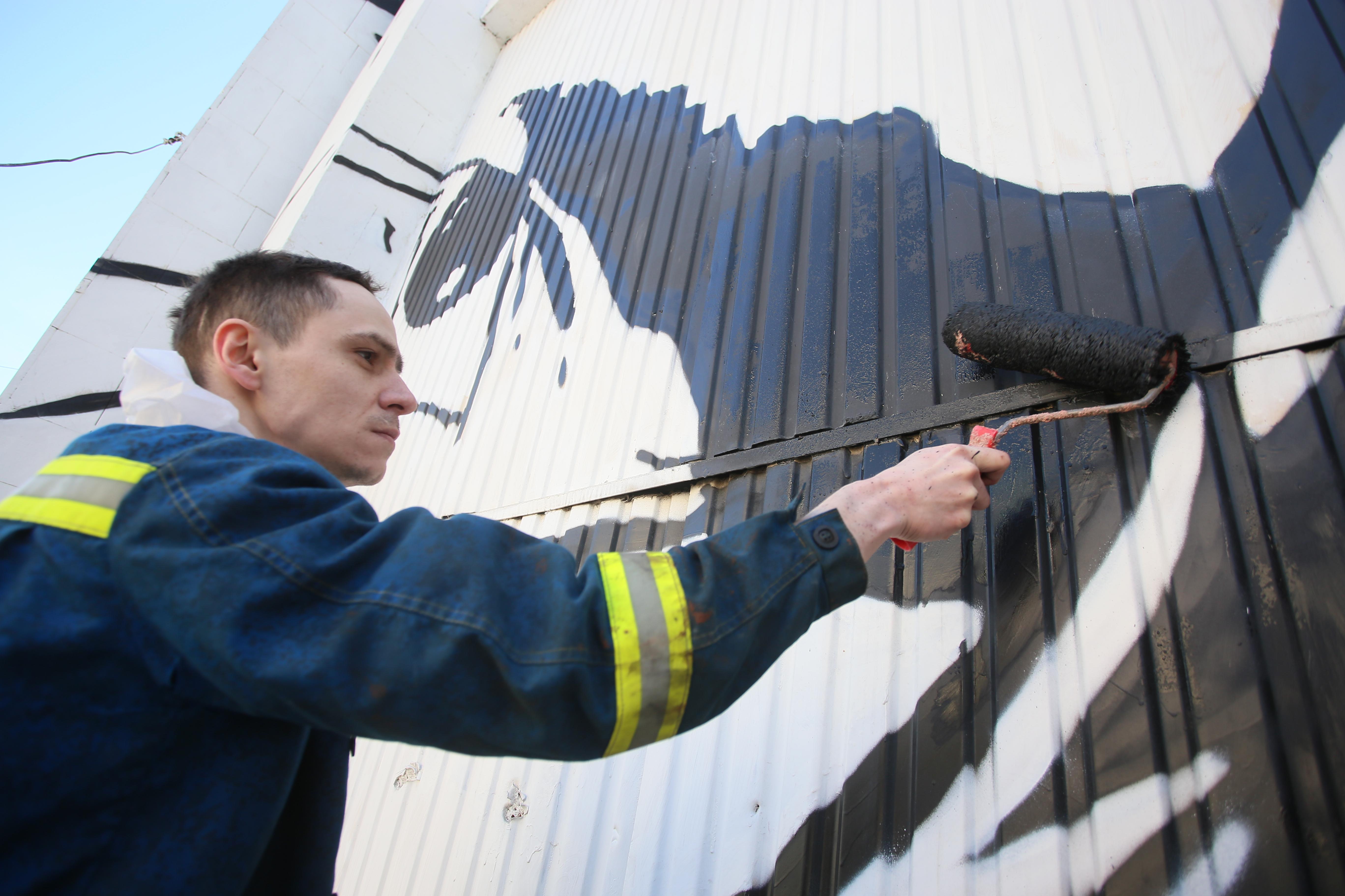Бывшую АТС на юге Москвы покроют граффити