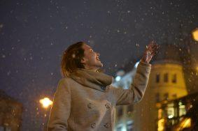 Снег выпал в 14:00. Фото: Пелагия Замятина