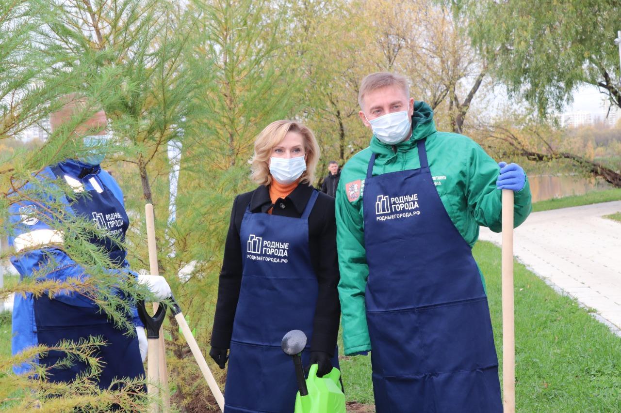 Сенатор Инна Святенко рассказала об участии в экологической акции вместе с волонтерами Московского НПЗ