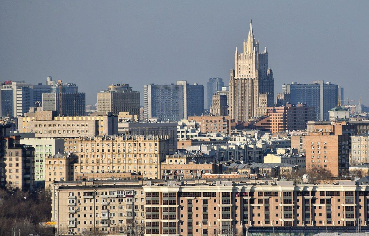 Более 9 тыс государственных гражданских служащих Москвы отчитались о доходах и расходах за 2020 год