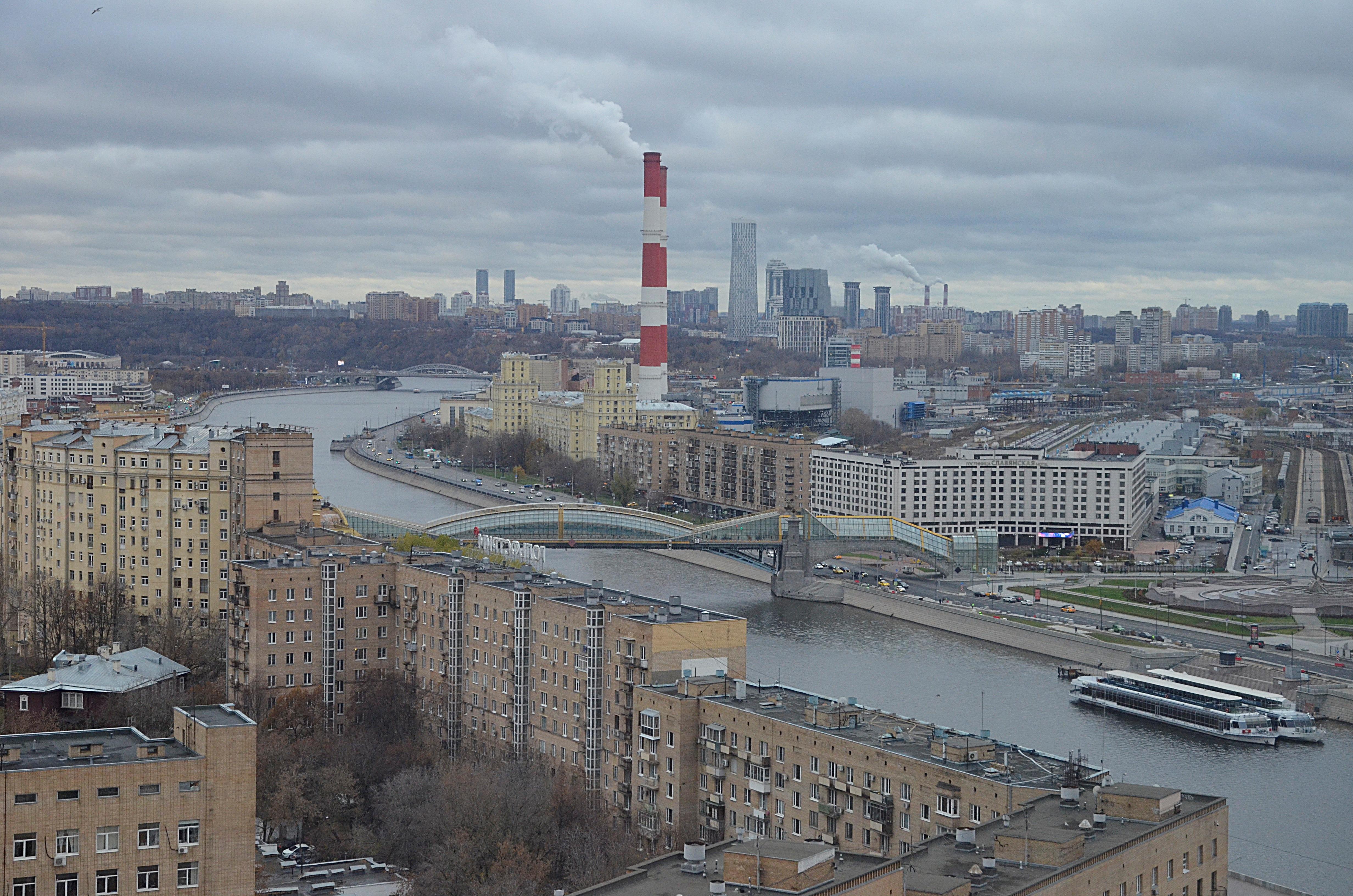 Москвичей предупредили о высоком атмосферном давлении