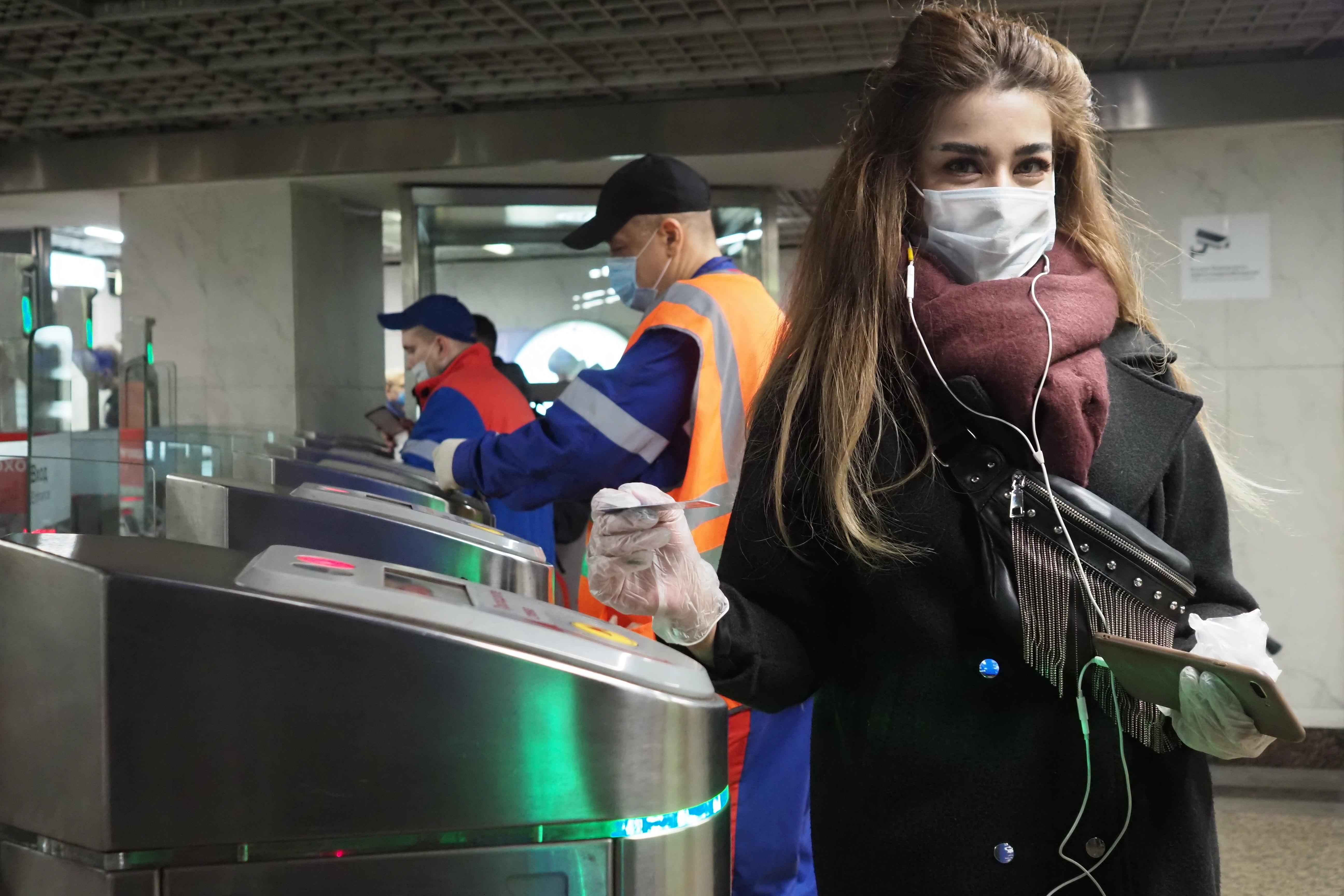 Свыше шести тысяч человек новых случаев заражения коронавирусом зафиксировали в Москве