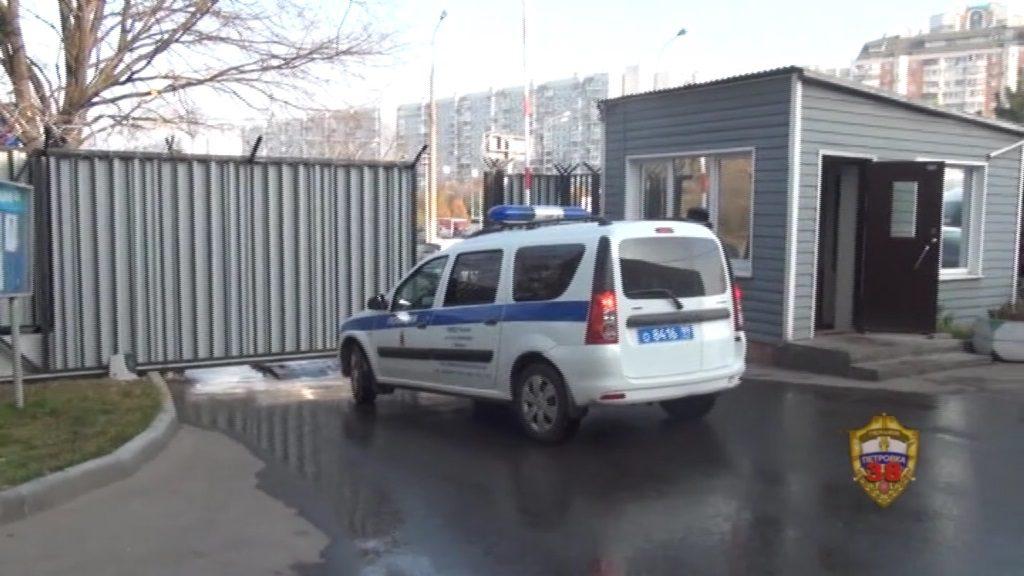 Полицейские Нагорного района столицы задержали подозреваемых в разбойном нападении. Фото: пресс-служба ОМВД по ЮАО