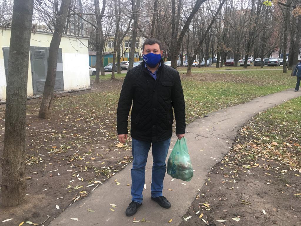 Жителям Зябликова помогли с доставкой продуктов