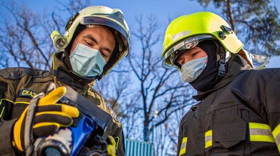 Мальчик, мечтающий спасать людей, познакомился с работой московских спасателей