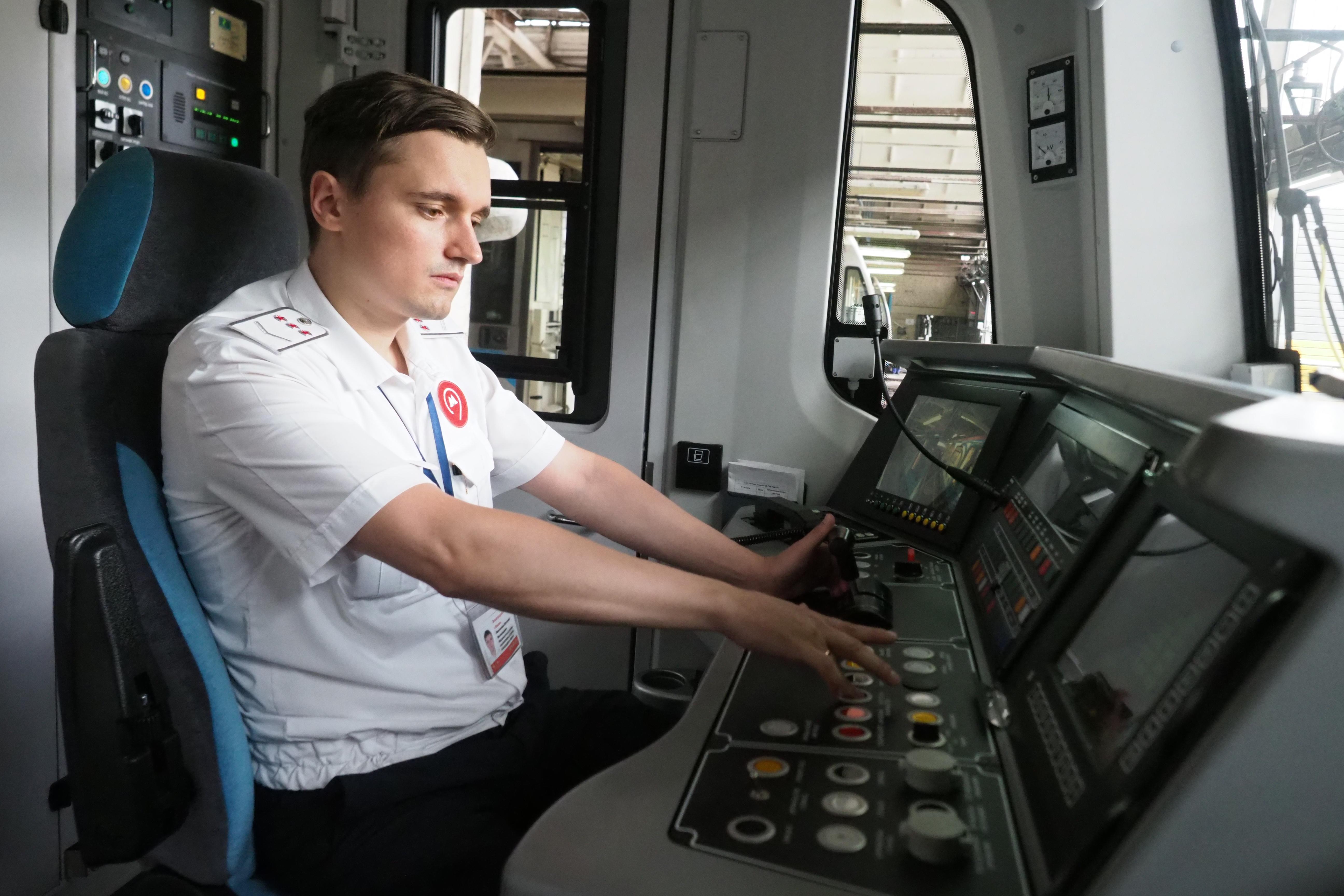 Поезд «Хвосты и лапки» запустили в метро Москвы
