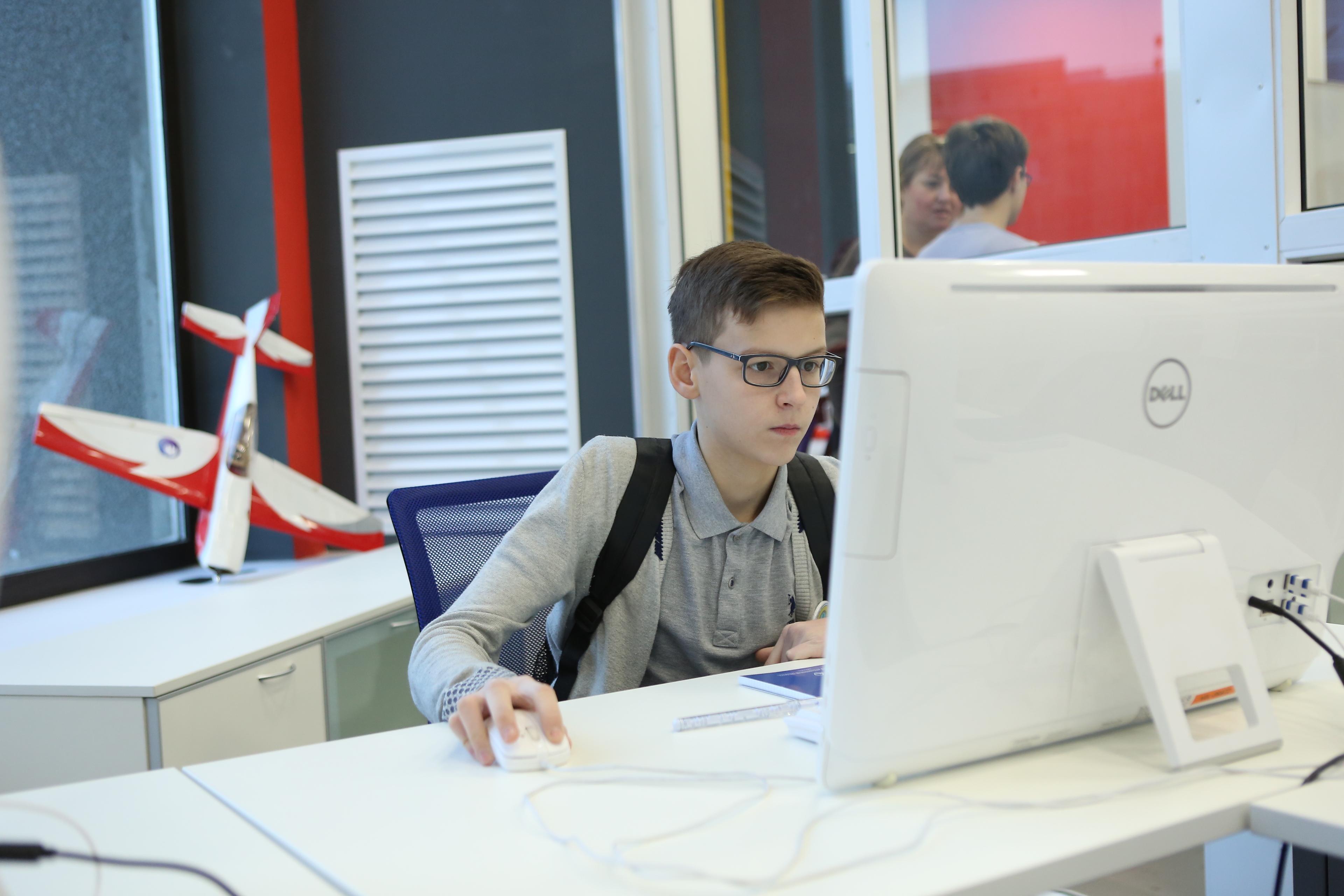 Победители Олимпиады школьников по программированию получат льготы и гранты