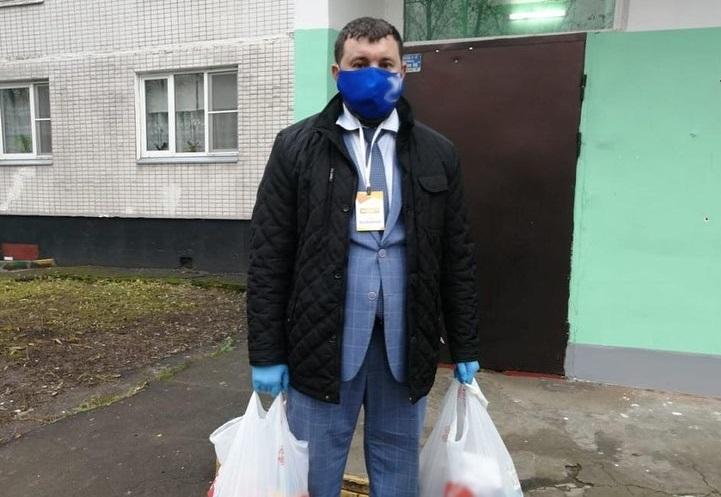 Глава муниципального округа Царицыно помог жителям на самоизоляции
