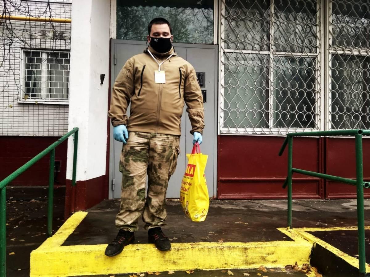 Волонтеры Нагорного района оказывают адресную помощь нуждающимся семьям