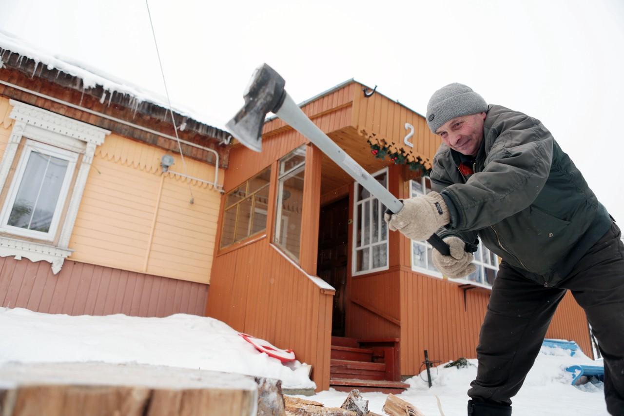 Московские дачники получили 25 тысяч партий дров на зиму