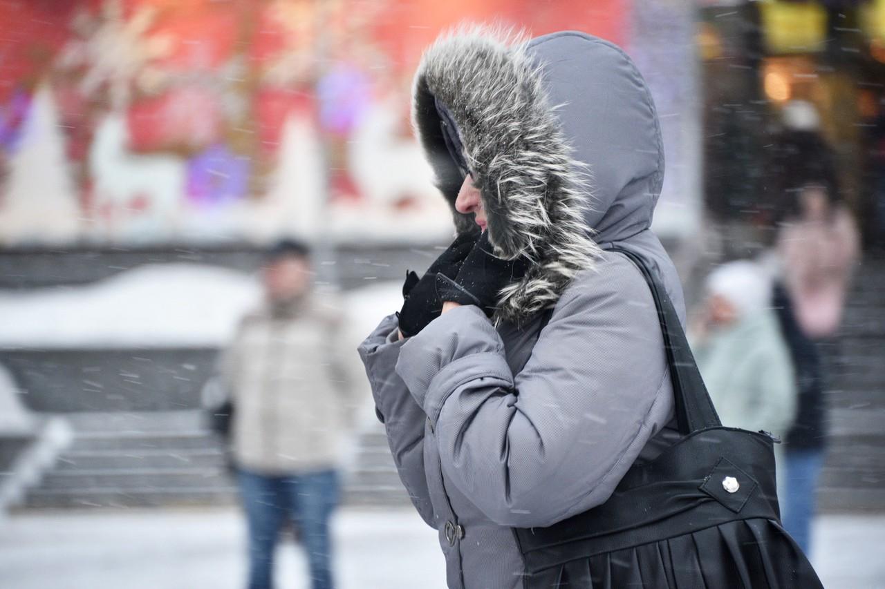 Москвичам пообещали ветер и гололедицу