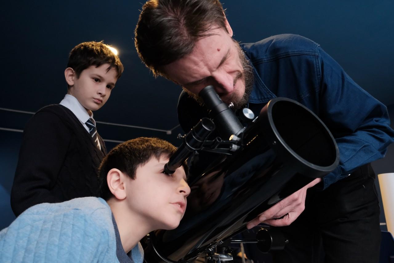Детский технопарк «Мосгормаш» оборудовали цифровыми телескопами