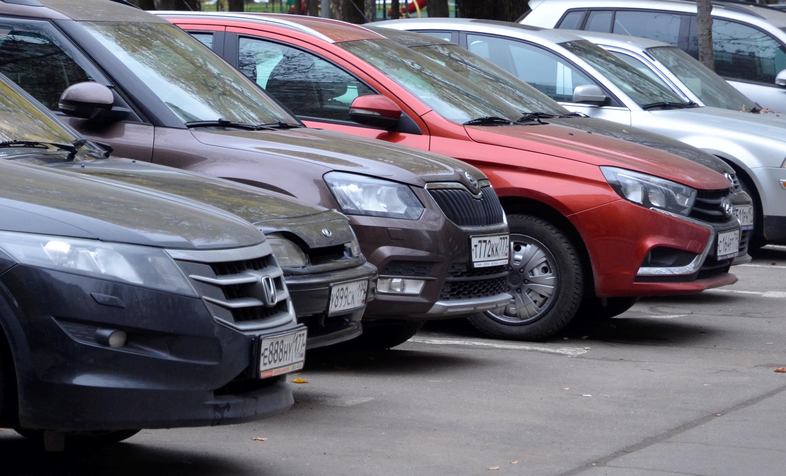 Москвичам пообещали бесплатные парковки на праздники