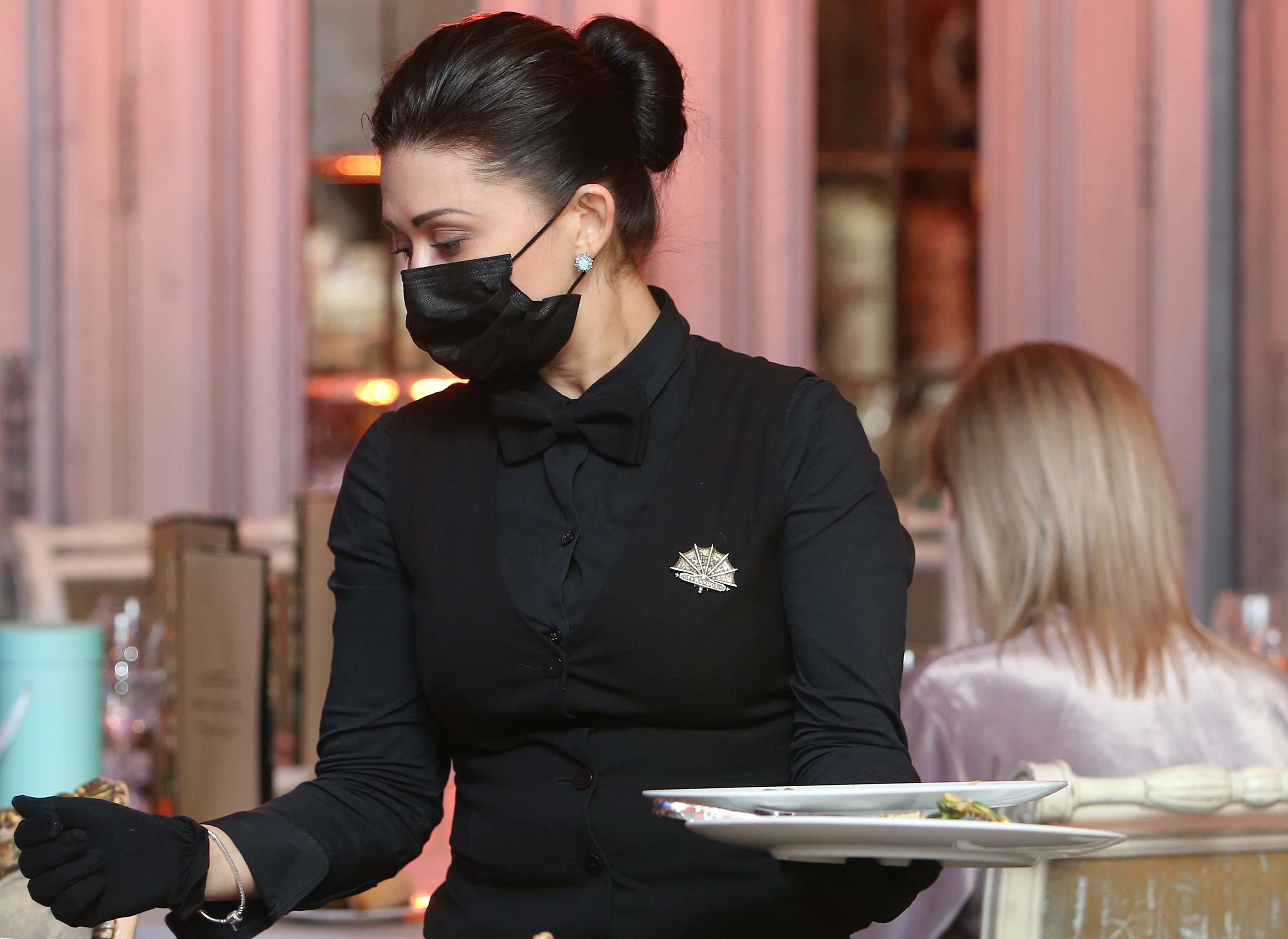 Ресторану Balagan грозит штраф до 1 миллиона рублей за нарушения мер профилактики COVID-19. Фото: Наталия Нечаева, «Вечерняя Москва»
