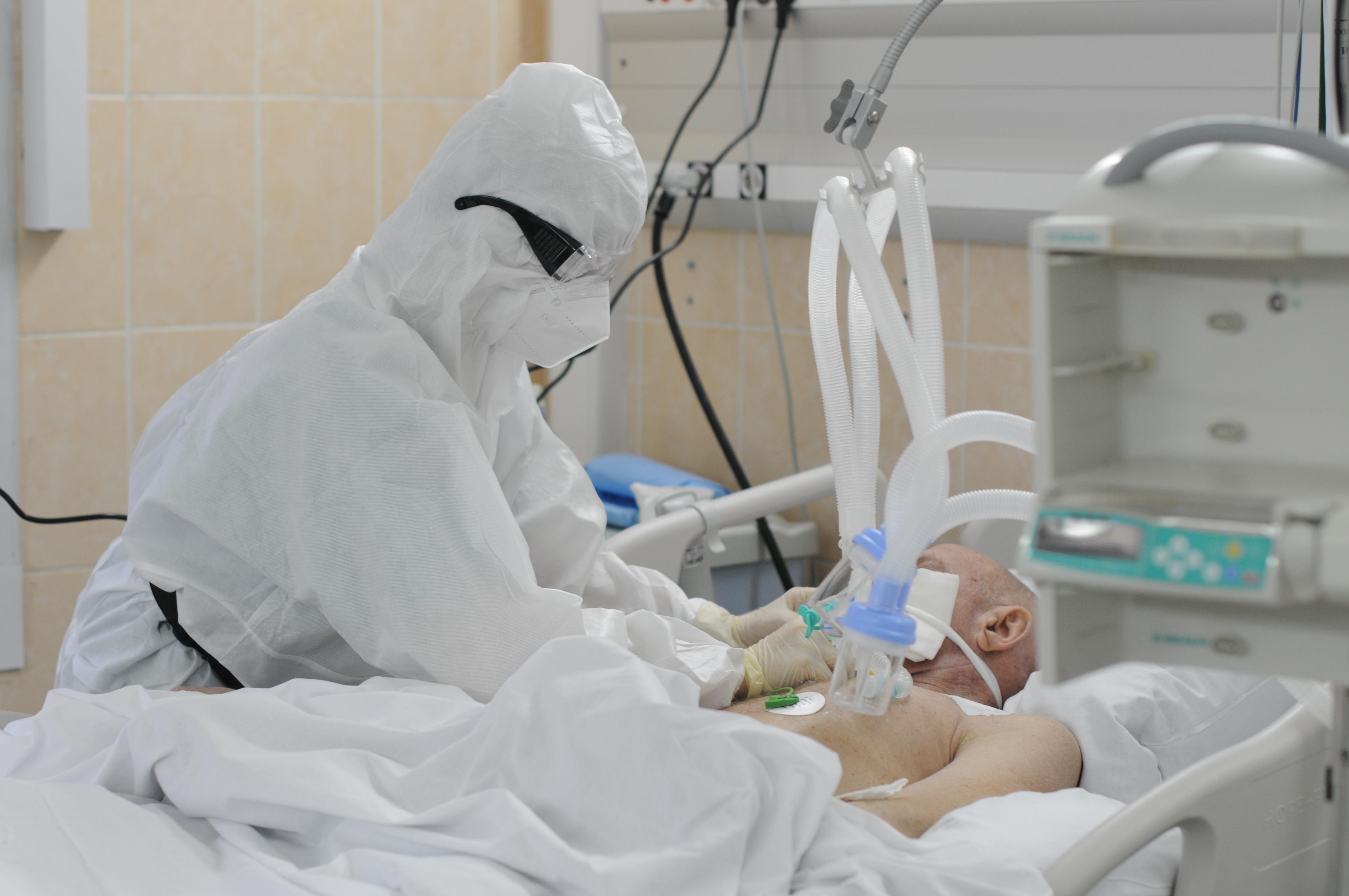 Турция семь дней подряд фиксирует рекордные показатели смертности от COVID-19