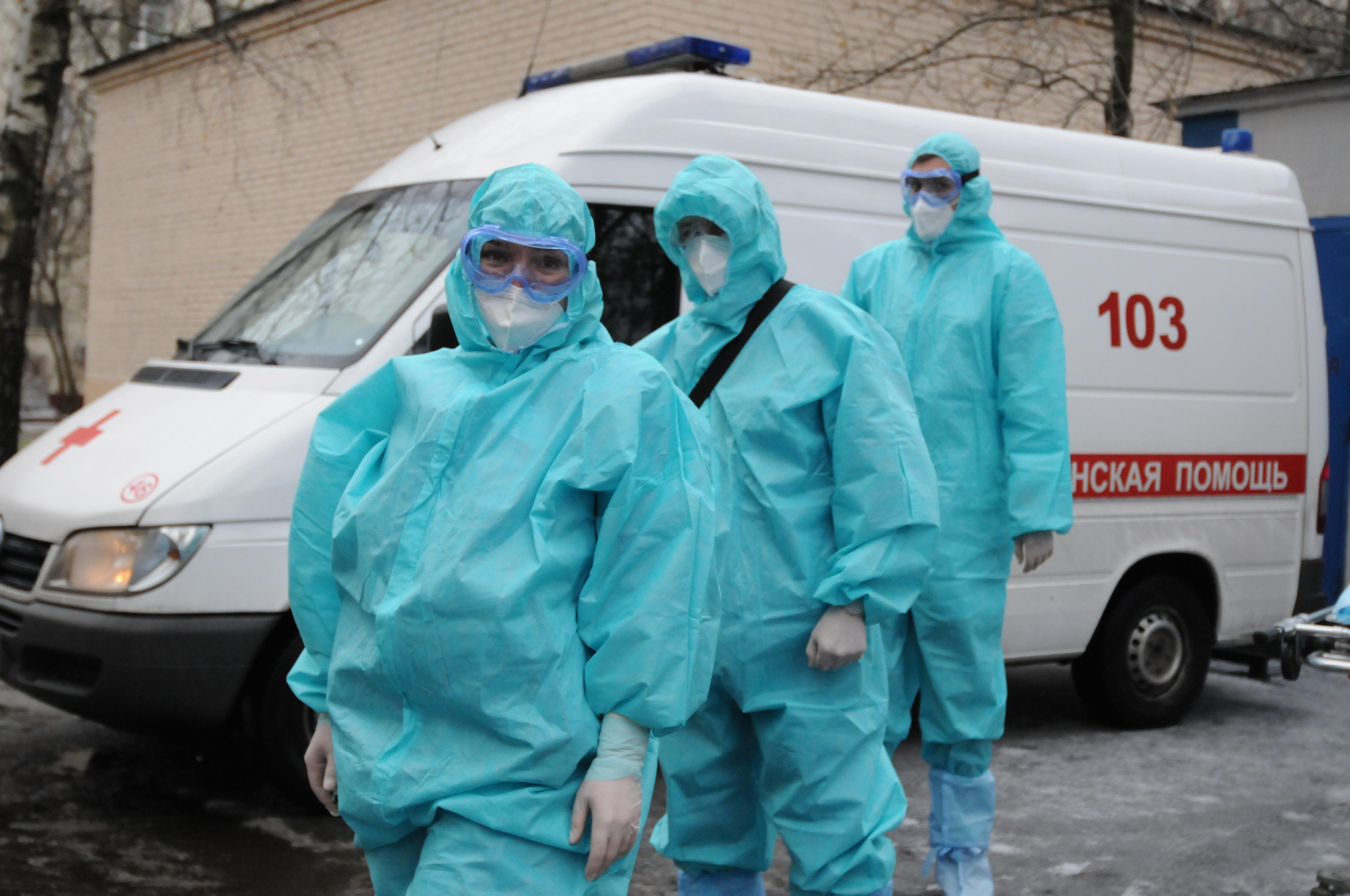 Горожанам рассказали о помощи пациентам с коронавирусом в резервном госпитале в автомобильном торговом центре «Москва»