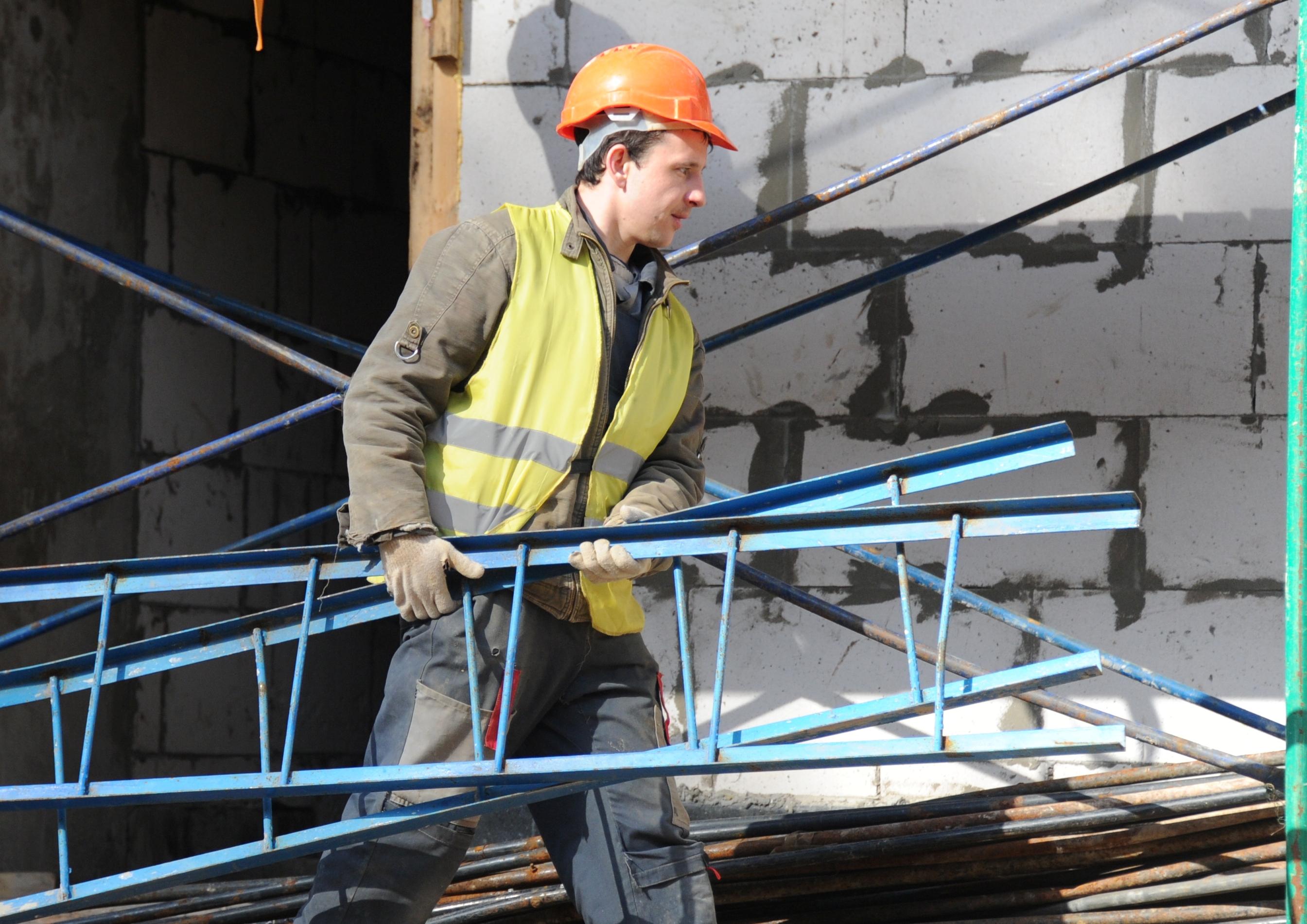 Москвичи купили 3,3 гектара земли под индивидуальное строительство в 2020 году