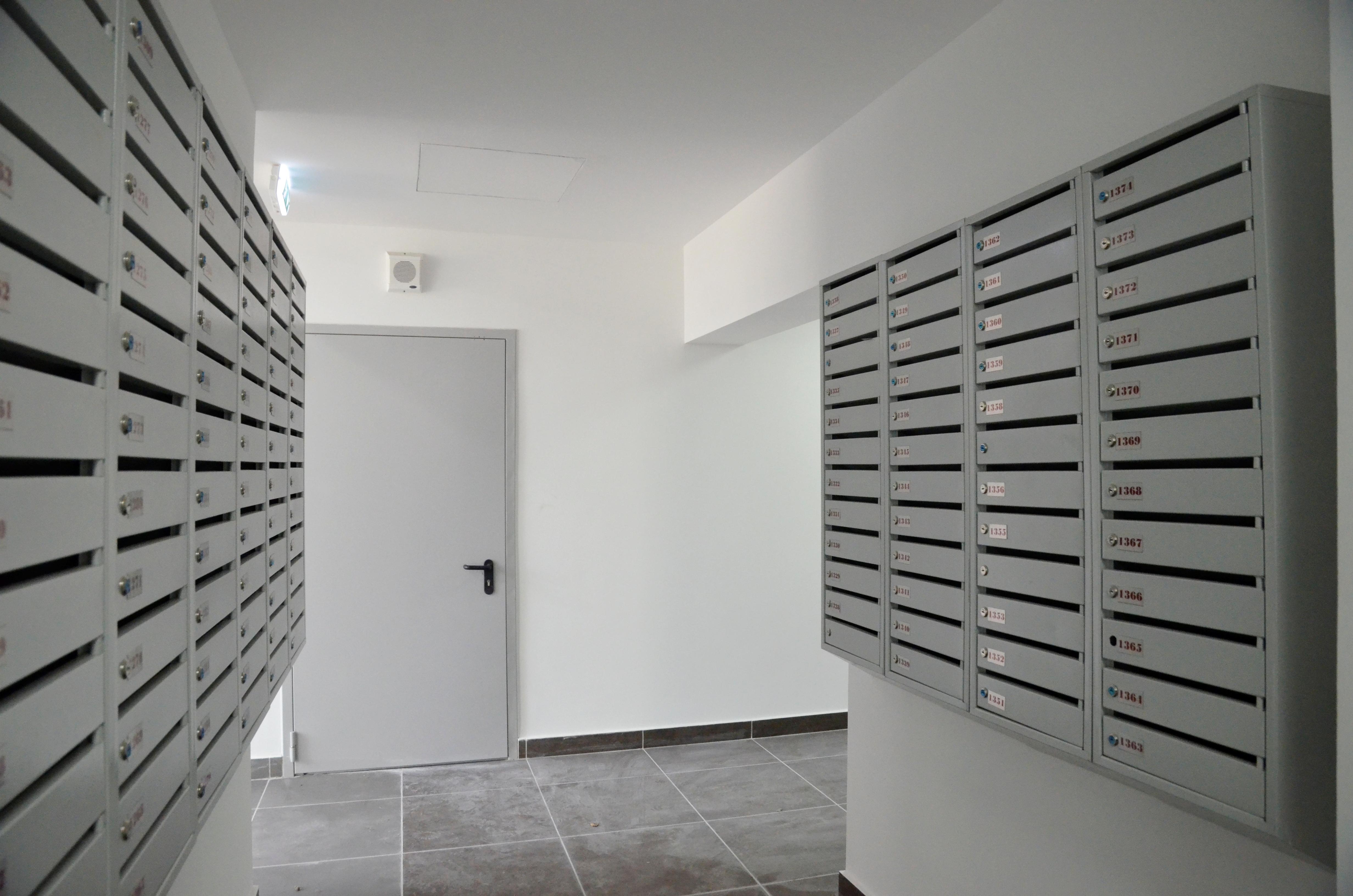 Специалисты проверили чердаки и подвалы в жилых домах Чертанова Центрального